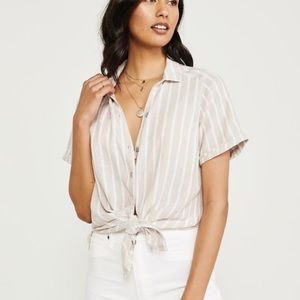 A&F short sleeve button down shirt